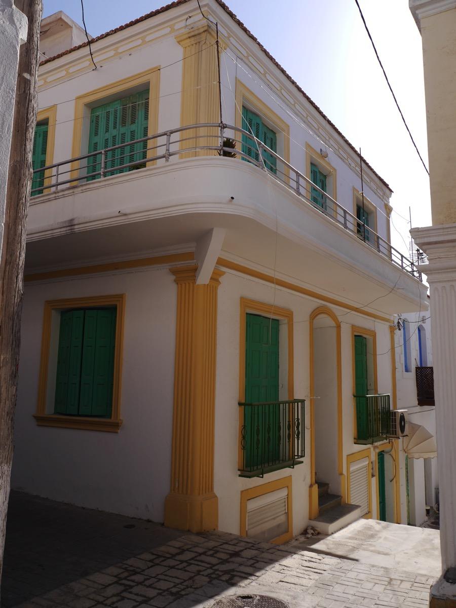 Karpathoshouse2